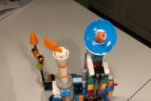 Poulina og Alda hava bygt LEGO